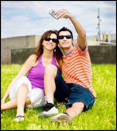 Å dele bilder fra mobiltelefonen har blitt svært vanlig. (Foto: Istockphoto)