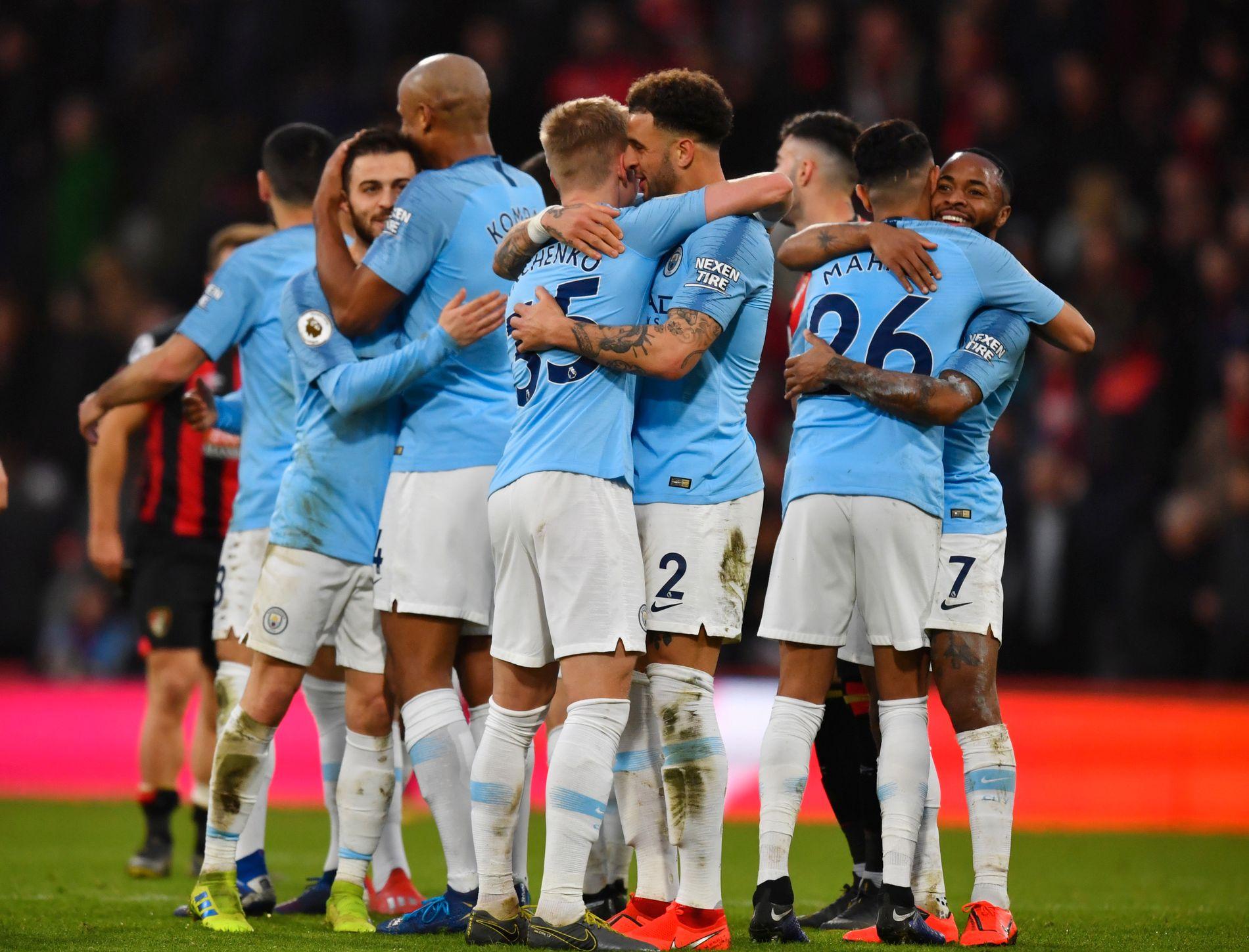 TIL TOPPS: Manchester Citys spillere jubler etter 1–0-seieren over Bournemouth.