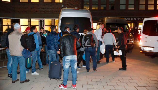 KAOTISK: Det har til tider vært fullt kaos ved Politiets utlendingsenhet (PU) i Oslo.