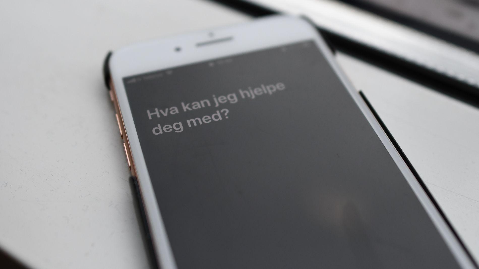 STEMMEASSISTENT: Apple lanserte «Siri» i 2011, og funksjonen kom på norsk i 2015.