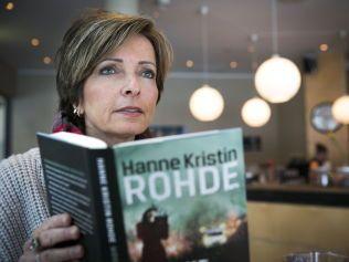 SUKSESS: Hanne Kristins første kriminalroman «Mørke hjerter» er nå trykket i 53 000 eksemplarer. Den kom på 6. plass blant mest solgte krimromaner i 2014.