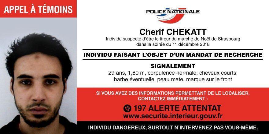 ETTERLYST: Cherif Chekatt etterlyses av fransk politi. Han beskrives som 1,80 høy, med kort hår og et merke i pannen. Publikum bes om å ikke ta kontakt med ham, da han kan være farlig, men varsle politiet.