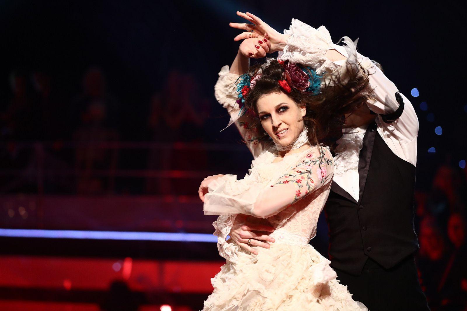 RØK UT: Etter en dramatisk dansekveld med haloween-tema ble det klart at Ida røk ut, selv om hun fikk flest dommerpoeng.