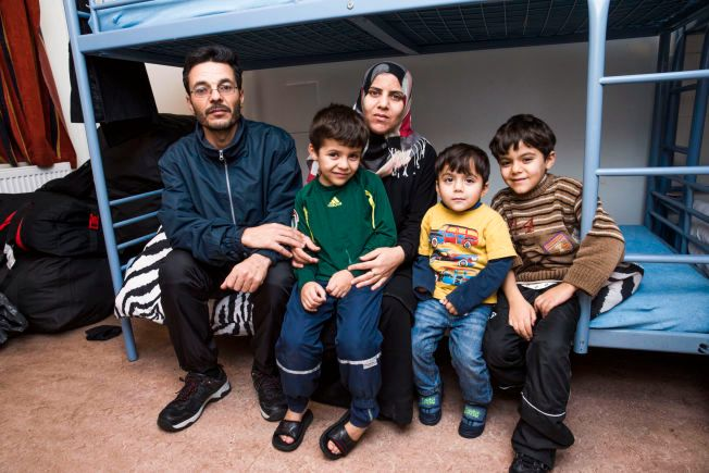 FRA SYRIA: (t.v.) Far Yaser Ali (40), mor Wisal al Matar (30) og barna (f.v.) Yamen (6), Mouhamad (3) og Abdallatif (7).