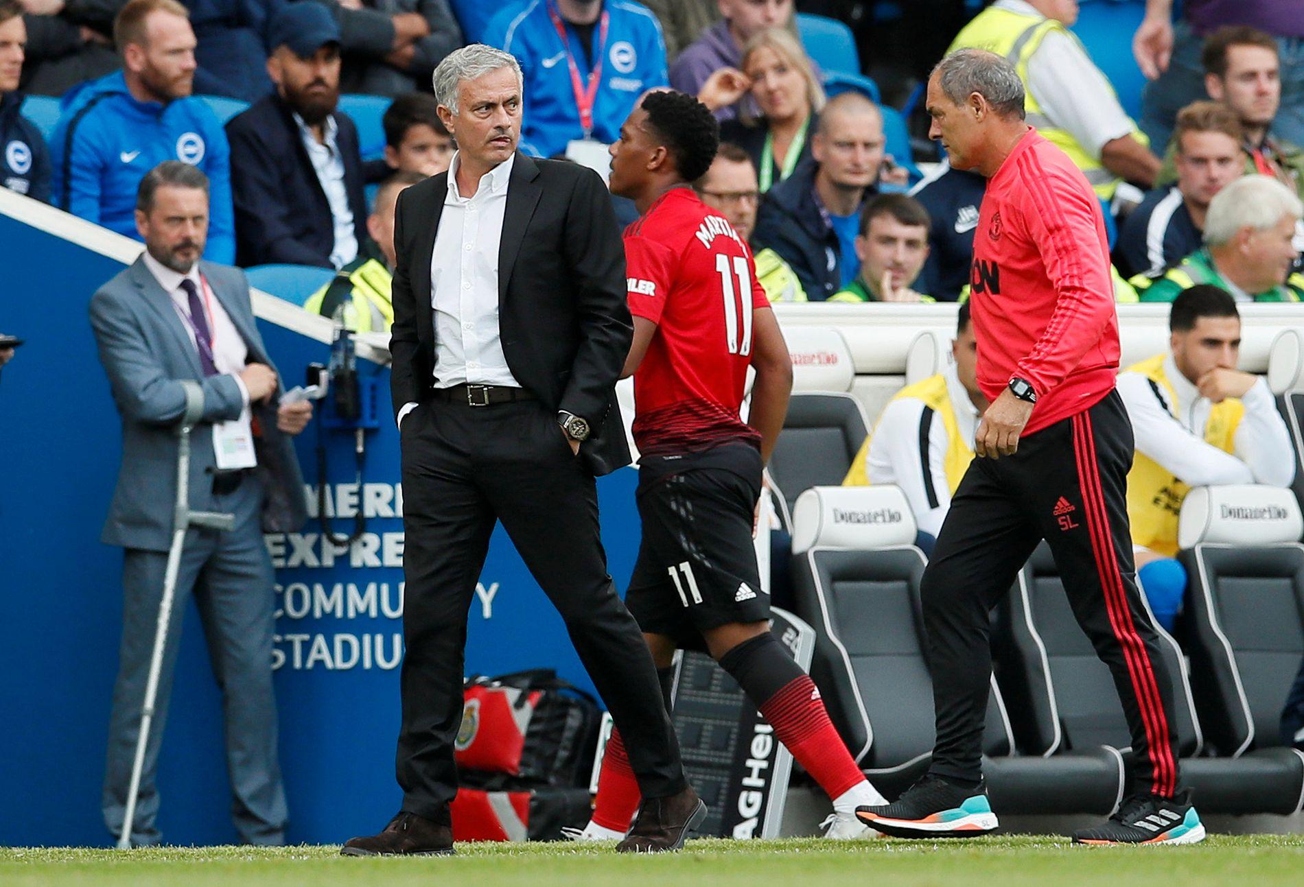 VRAKET: Anthony Martial, som her byttes ut under kampen mot Brighton i andre serierunde, var ikke engang med i kamptroppen til José Mourinho mot Tottenham mandag.