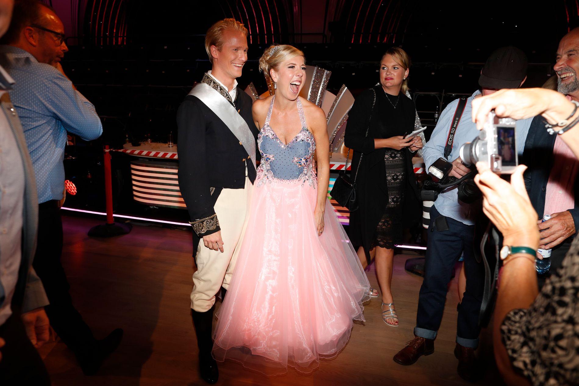LETTET OVER FØRSTE SENDING: Kristin Størmer Steira hadde ikke trodd at dansingen skulle være så gøy, her med dansepartneren Fredric Brunberg etter sending