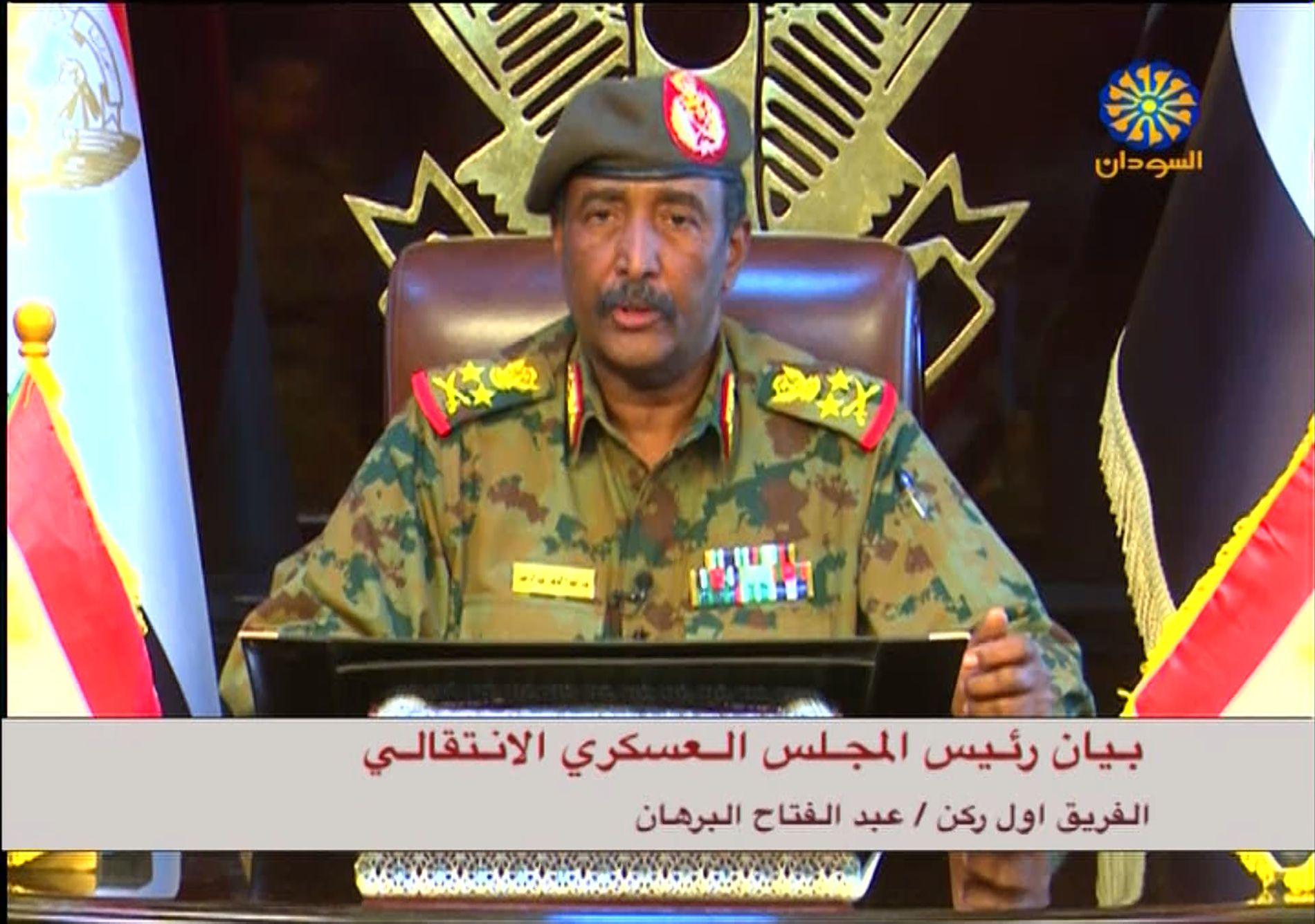 GENERAL: Abdel Fatah al-Burhan leder militærrådet i Sudan som blir støttet av Gulf-landene, Saudi-Arabia, De forente arabiske emiratene og Egypt. Målsettingen er å knekke demokratibevegelsen i Khartoum.