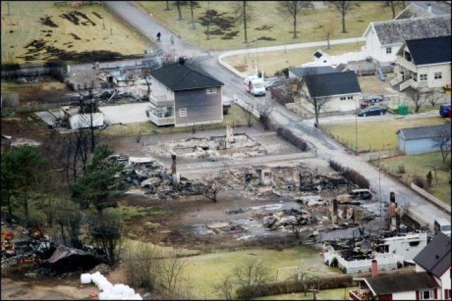RUINER: Hus etter hus brant til grunnen i Lærdal i januar 2014.