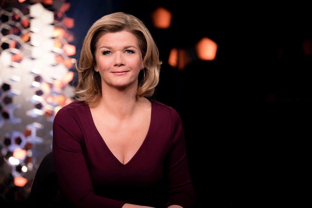 INN I GULLREKKA: Anne Lindmo har vært lørdagsvert for NRK, men stepper nå inn i den åpne plassen etter «Skavlan» på fredagskvelden.