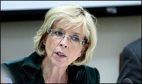 SIER NEI: Helsedepartementet, med helseminister Anne-Grete Strøm-Erichsen i spissen, har ingen planer om å åpne for homofile blodgivere. Foto: Espen Braata/VG