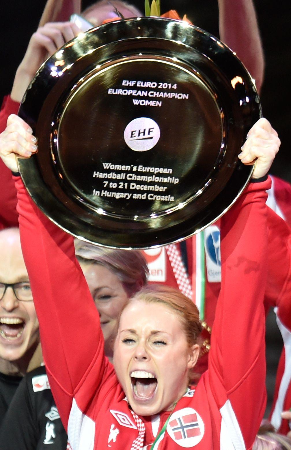 AVSLUTNINGEN: Karoline Dyhre Breivang avsluttet landslagskarrieren med å heve EM-trofeet for to år siden.