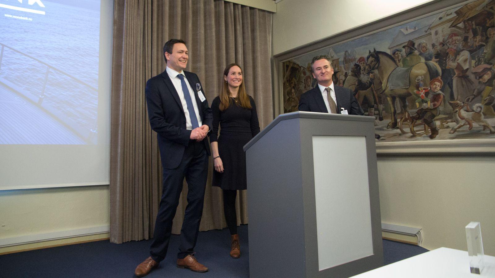 DEBUT: Monobank ble i dag tatt opp på Merkur Markets. Fra venstre konsernsjef Bent Gjendem, finansdirektør Lene Sjøbakk og driftsdirektør Tom Henning Rimestad i Monobank.