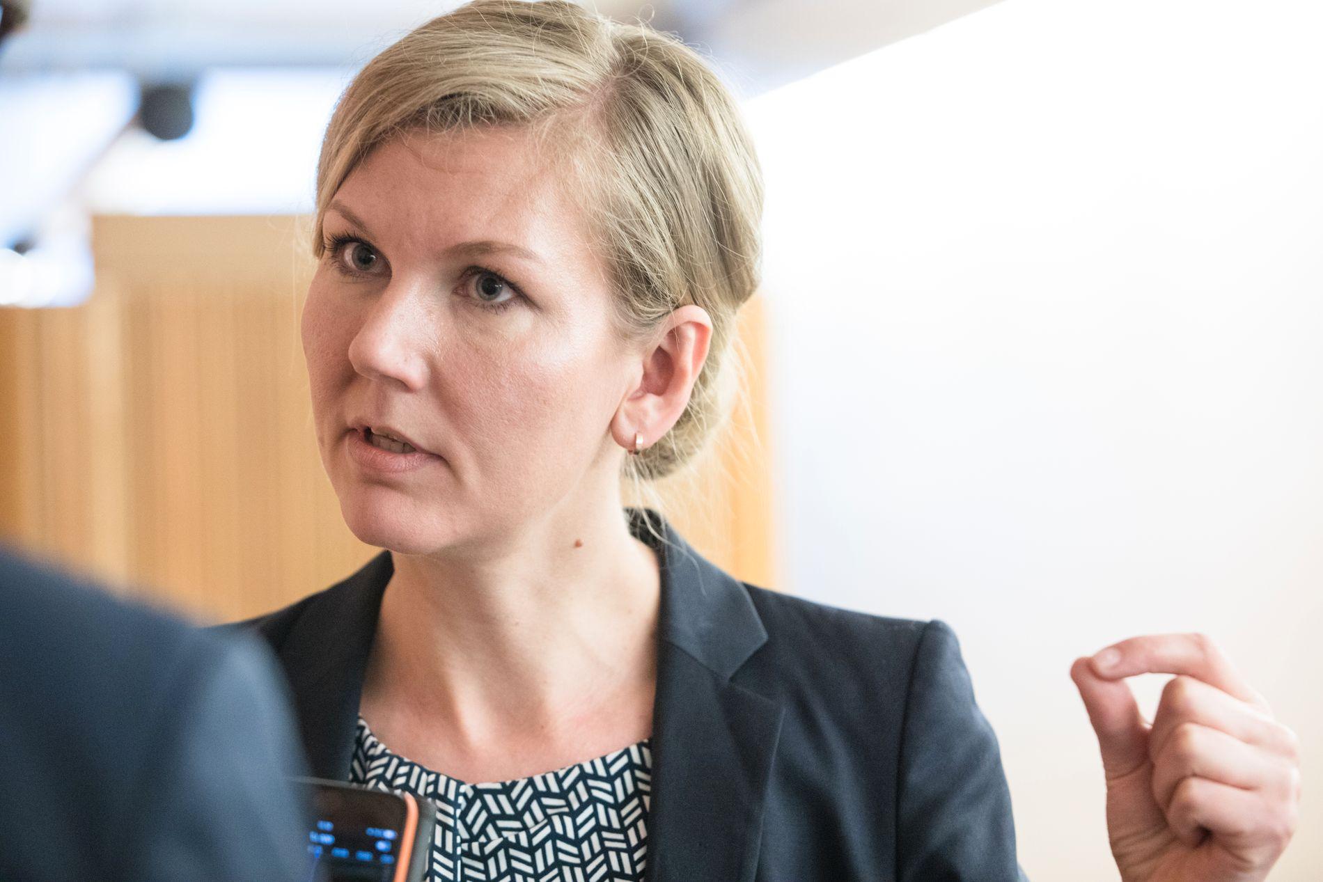 HVEM BESTEMMER? Mener statsministeren at jeg selv skal få avgjøre om svangerskapet skal gjennomføres? spør Ap-politiker Marianne Marthinsen i et skriftlig spørsmål til statsminister Erna Solberg.