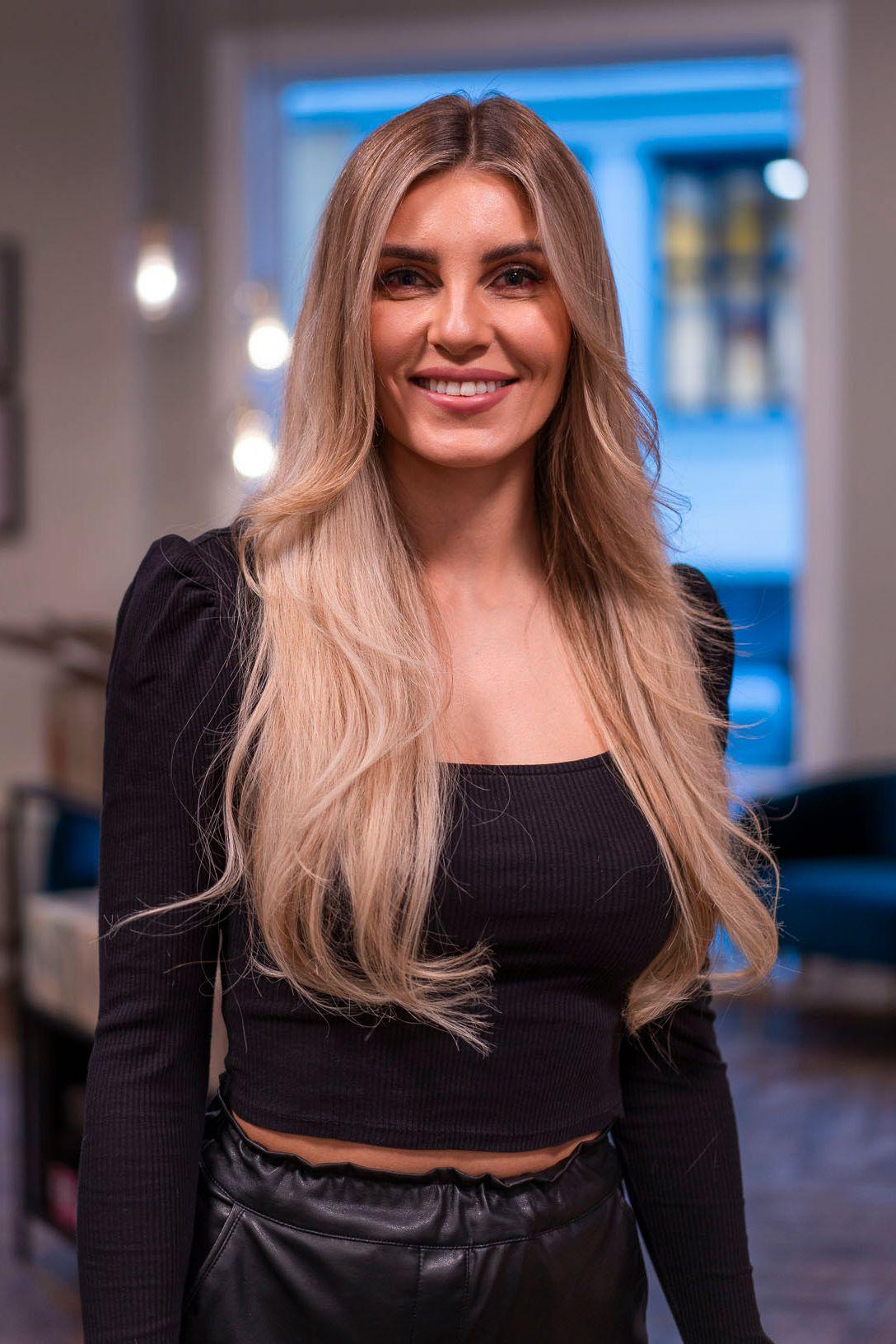 BRUKER SELV: Nina Angvik Mathisen brukes også Hair Luxious selv.