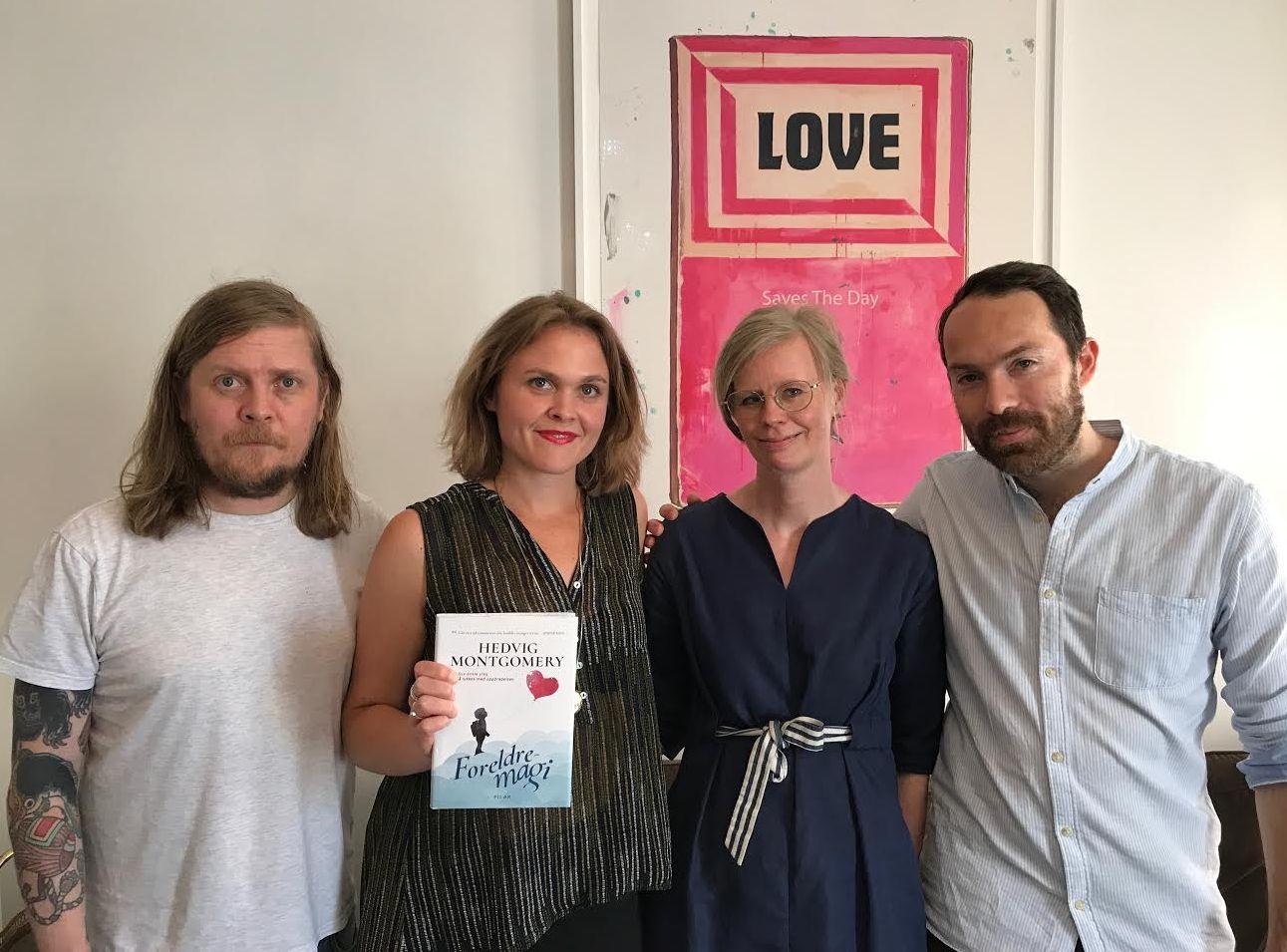 KONTRAKT: Fredag var Hevig Montgomery (nr. to fra høyre) i møte med   Salomonsson agency i Stockholm. Her med agent Tor Jonasson (f.v.), daglig leder Julia Angelin og agent Federico Ambrosini.