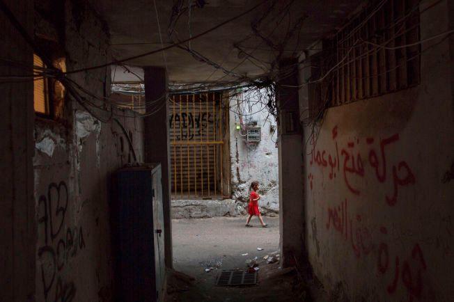 «EKSTREMT DÅRLIG»: Flyktningleiren Shatila har hverken rent vann eller et fungerende strømnett. Det siste året har 1500 syriske flyktninger flyttet inn og økt presset på infrastrukturen.