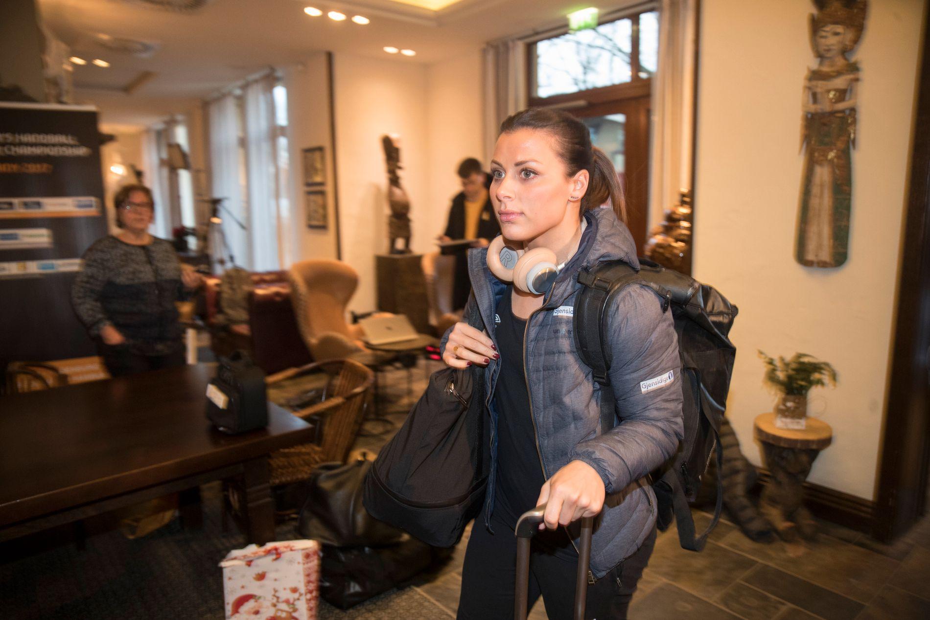 SVARER: Nora Mørk er sterkt kritisk til håndballforbundets og idrettstoppenes håndtering av bildelekkasjesaken.