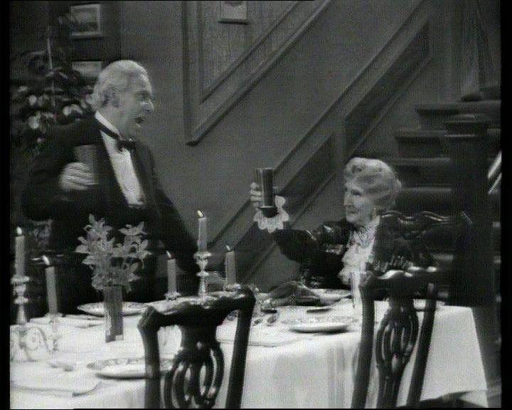 I'LL KILL THAT CAT...: Slapp av, alle sammen; det blir «Grevinnen og hovmesteren» og et knippe «Cheerio, Miss Sophie!» også i år!