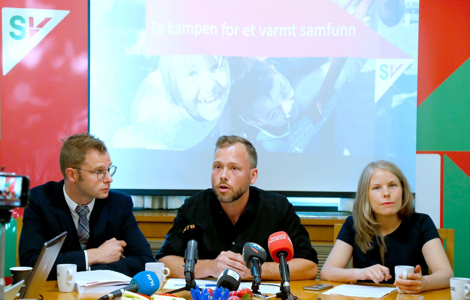 NESTLEDERE: Partileder Audun Lysbakken i SV, flanket av dagens nestlede Snorre Valen og Kirsti Bergstø.
