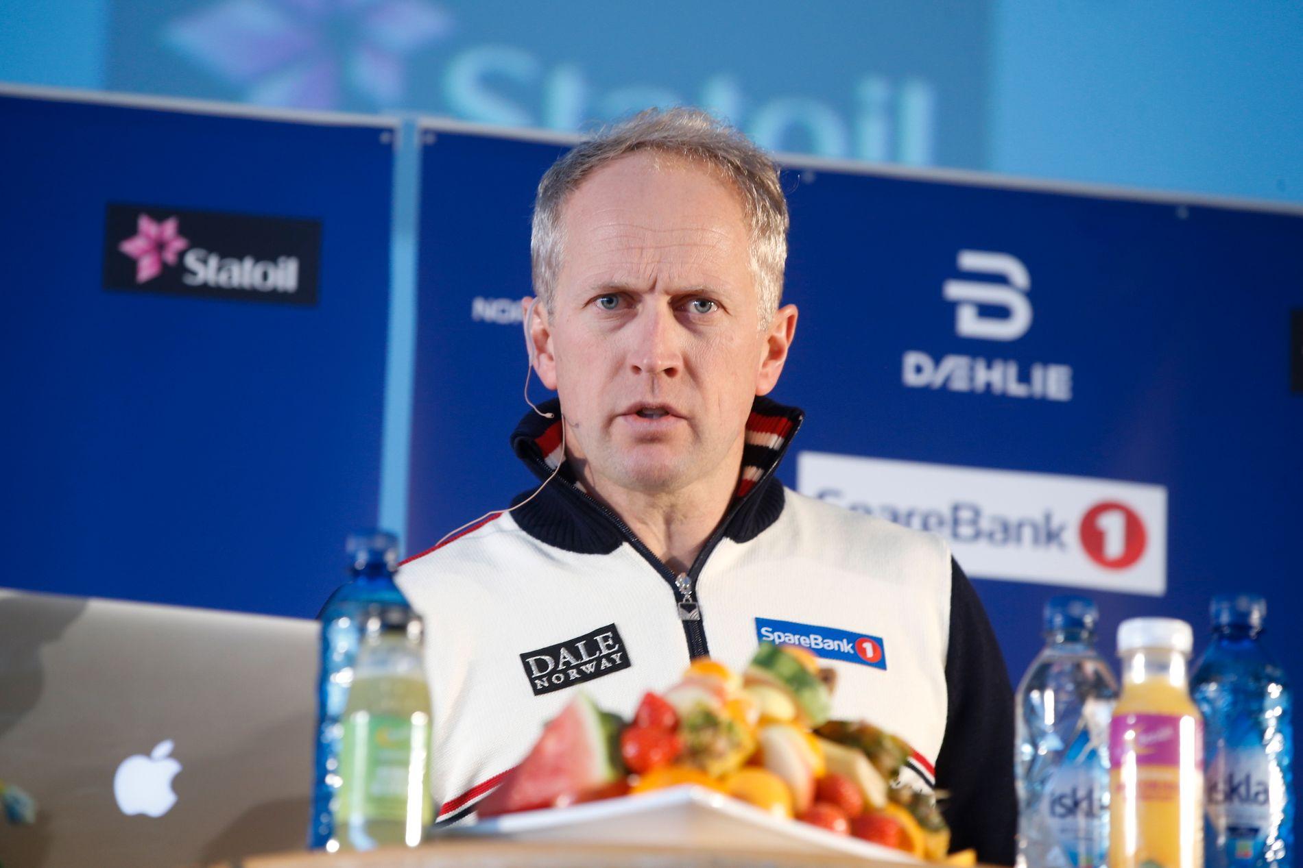 UENIGHET: – Vi støtter selvfølgelig Takle Friis' utspill (Coop); at det aldri er aktuelt å akseptere tøying av grensene vedrørende doping , sier Espen Bjervig i skiforbundet til VG. Her er han på et pressetreff i 2016.