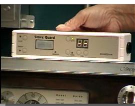 KOMFYRVAKT: En slik «spion» kan forhindre komfyrbranner, som er største enkeltårsak til branner foråraket av elektriske apparater. Den overvåker varmeutvikling på komfyren, og bryter strømmen hvis det blir for hett.