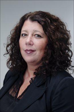 GIR RÅD: Kristin Oudmayer sier nettmobbing ødelegger unge mennesker. FOTO: MAGNAR KIRKNES / VG