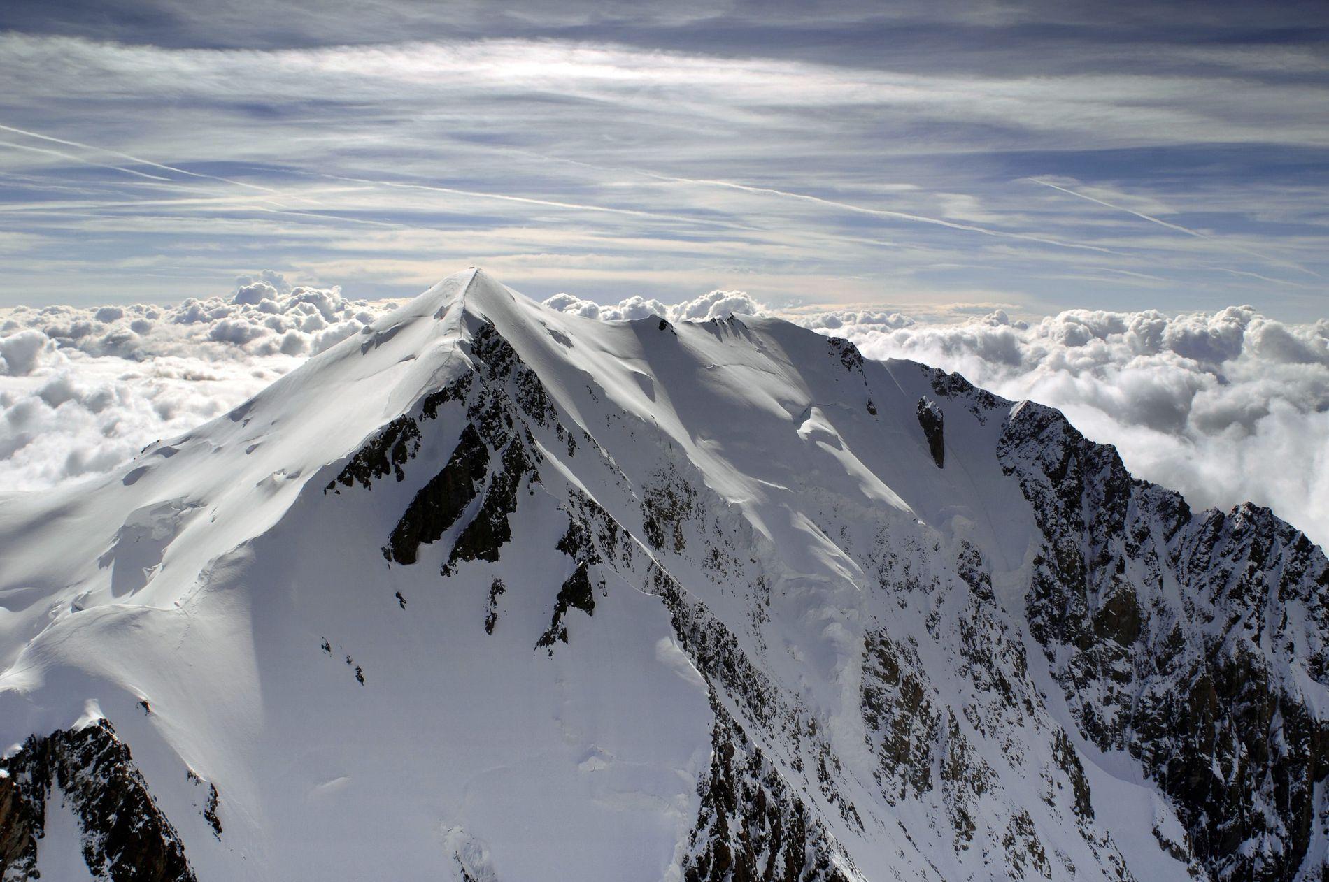 POPULÆRT FJELL:  Dette bildet er tatt fra den italienske siden av Mont Blanc.