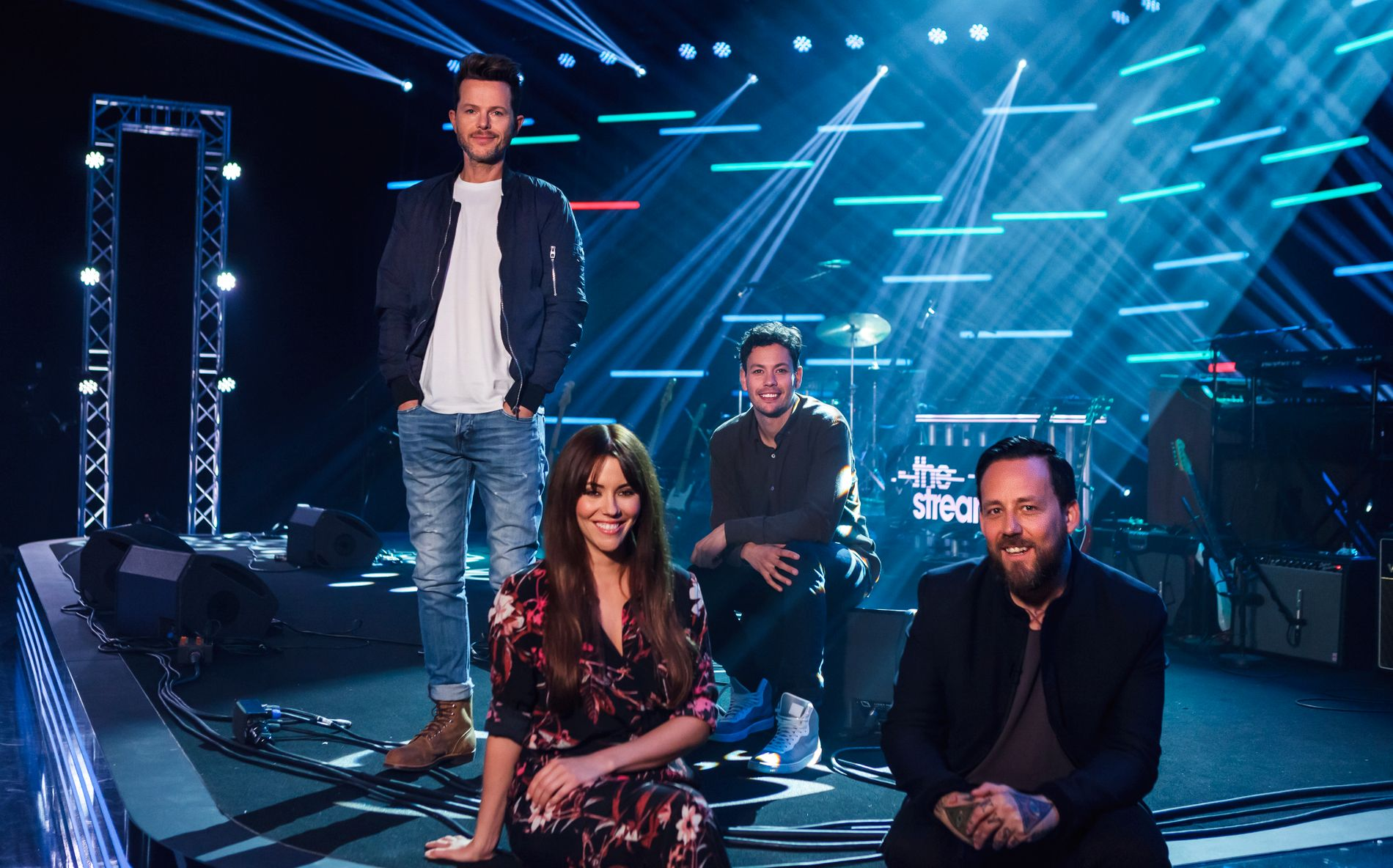 DE GODE, DE ONDE OG DE GRUSOMME: Espen Lind, Marion Ravn og Cato Sundberg er dommere i «The Stream». Porgramleder Tarjei Strøm til høyre. Foto: ROBERT HOLAND / TV2.