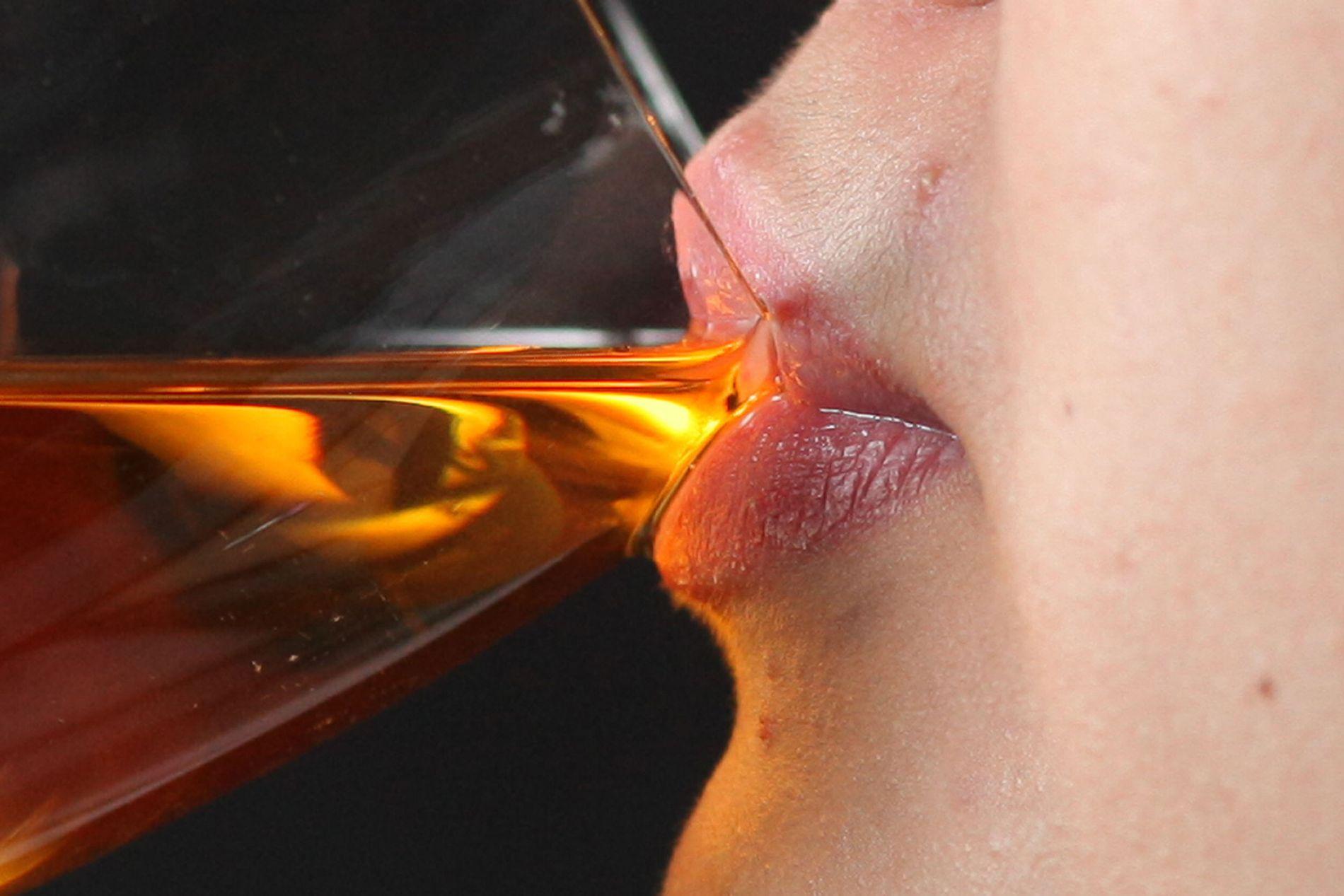 FRYKTER FOR WHISKYEN: Er du en kvalitetsbevisst whiskydrikker? Skotske whiskyprodusenter frykter nå at Brexit kan føre til at definisjonen på hva som kan selges som skotsk whisky blir endret.