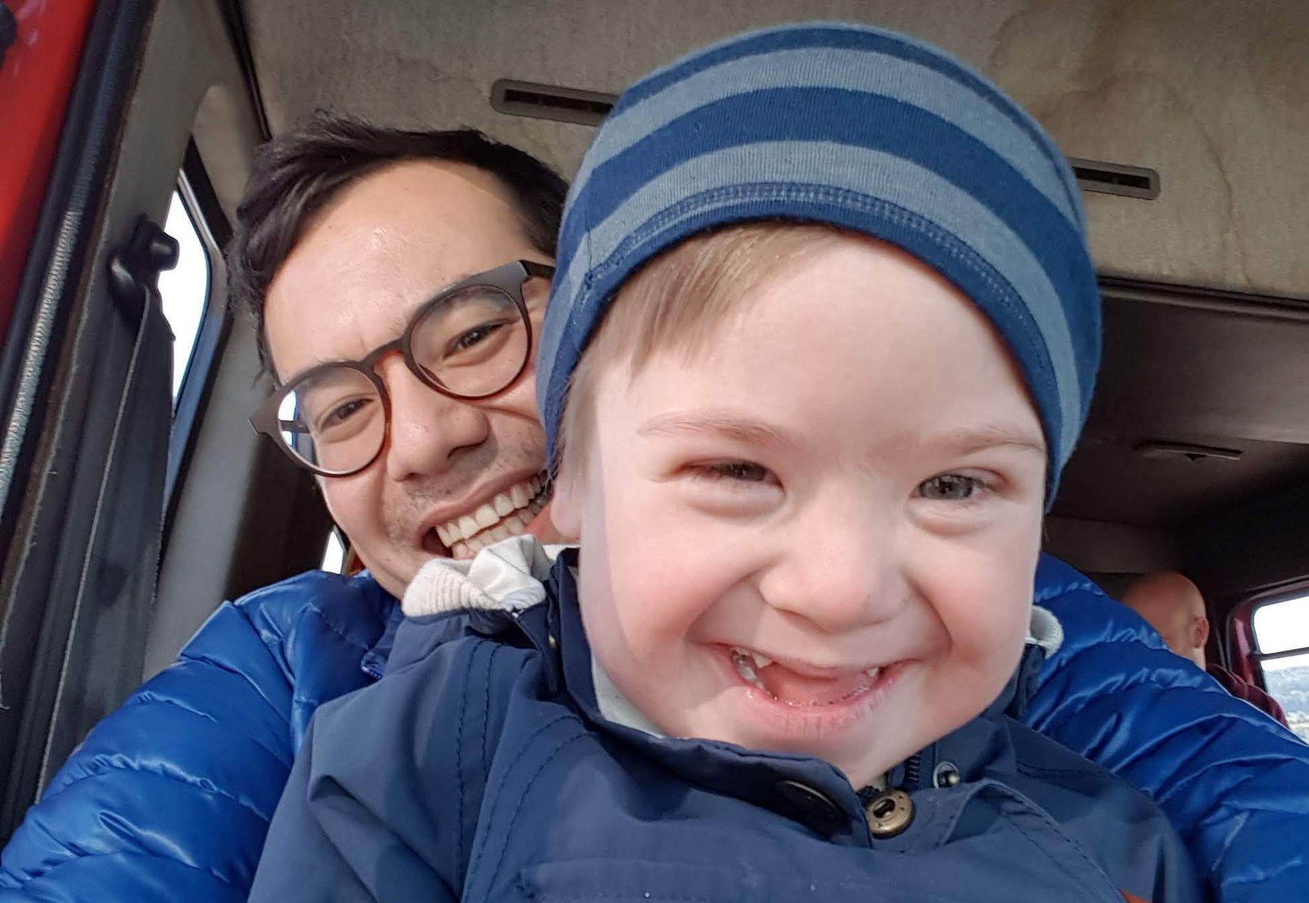 REAGERER: – Når abortloven diskuteres får som regel Downs syndrom en uforholdsmessig stor rolle, skriver Jan Inge Kvamme. Her sammen med sønnen Syver (5), som har Downs syndrom.