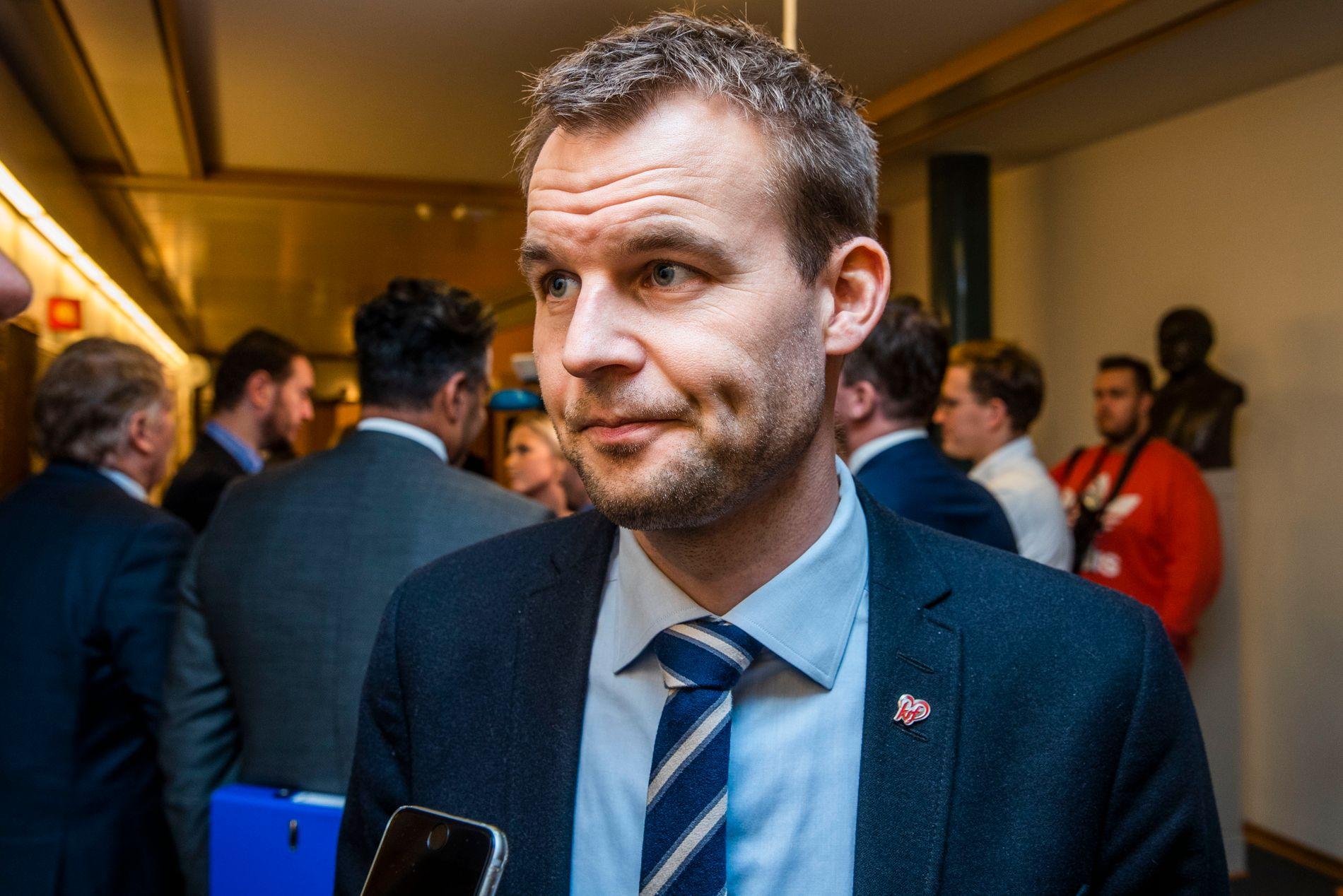IKKE UNATURLIG: Nestleder Kjell Ingolf Ropstad i KrF mener det ikke er unaturlig at noen er usikre på veien videre, men håper de fleste blir.