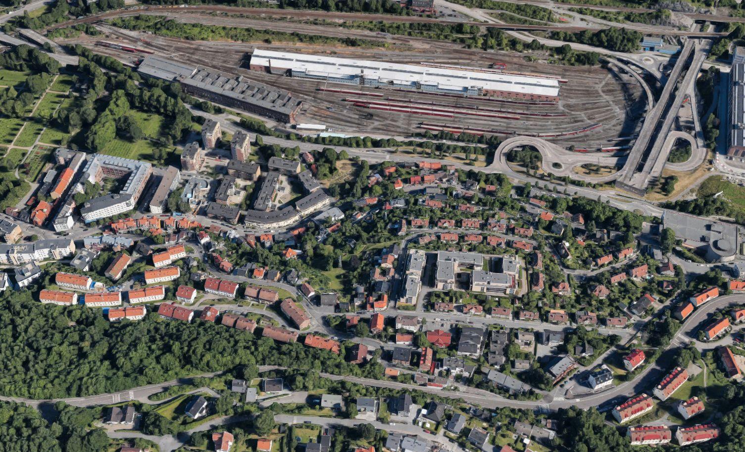 BA OM VANN: Det var i området mellom Kværnerdalen og Gamlebyen gravlund at den etterlyste mannen skal ha ringt på to leiligheter tidlig mandag morgen, ifølge et vitne VG har snakket med. Vitnene var lørdag til avhør hos politiet om opplysningene.