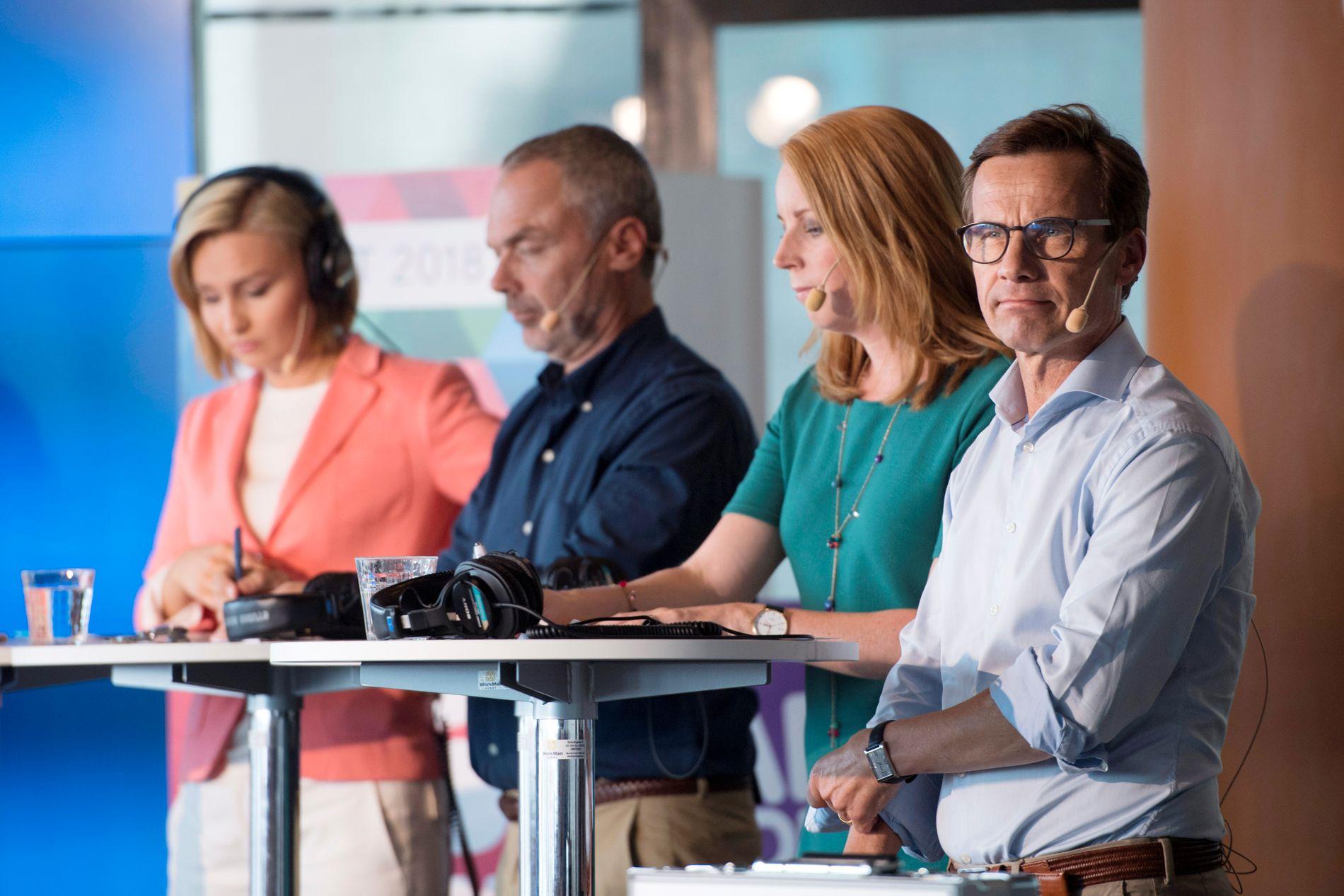 OPPOSISJONEN: Kristendemokratenes leder Ebba Busch Thor, Liberalernas leder Jan Bjorklund, Centerpartiets leder Annie Loof og Moderaternas leder Ulf Kristerssonunder en partilederdebatt i Stockholm August 29 2018.