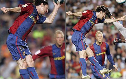 JUKSEMÅLET HJALP IKKE: Lionel Messi kopierte Maradonas «Guds hånd» mot Espanyol i forrige serierunde, men Barcelona klarte bare uavgjort. Foto: Reuters og AP