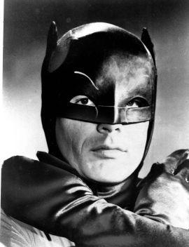 FORBILDET: Skuespiller Adam West i rollen som den kappekledde helten Batman.