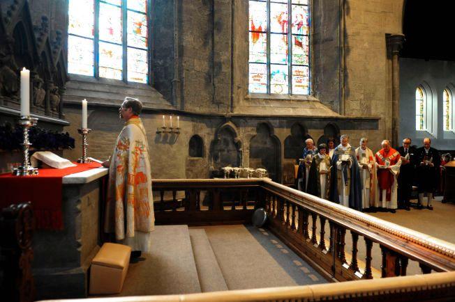 OMSTRIDT TEMA: Lesing av koranen i kirken vil bli ett av temaene bispemøtet vil drøfte i uken som kommer. Her fra da Halvor Nordhaug ble vigslet til biskop i Bjørgvin i 2009.