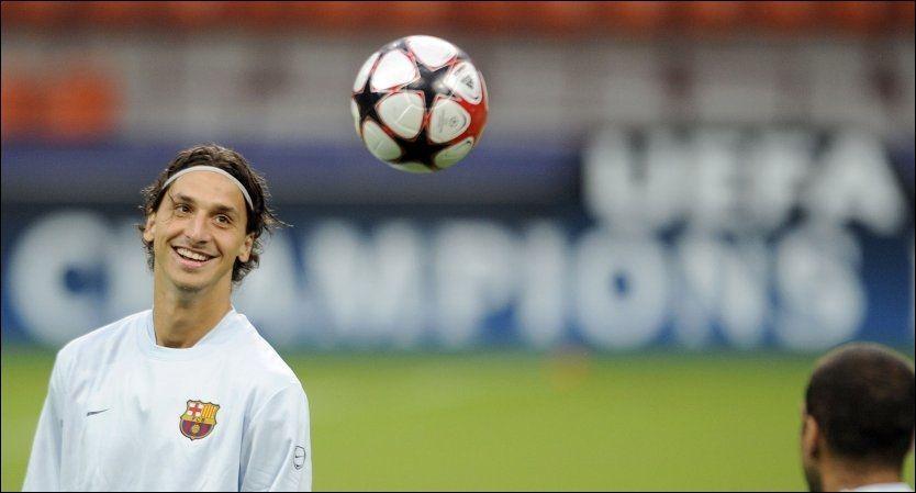 MØTER GAMLE LAGKAMERATER: Zlatan Ibrahimovic kan få en het mottakelse i Milano i kveld. Foto: AFP
