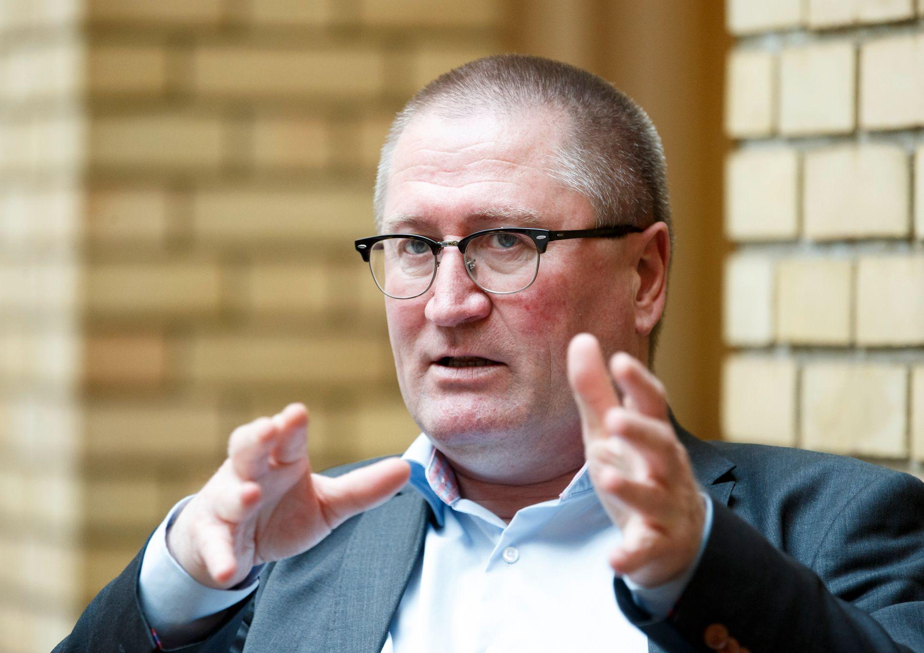 REAKSJONER: Over 50 medlemmer har meldt seg ut av KrF etter at partiets familiepolitiske talsmann Geir Jørgen Bekkevold viet et homofilt par i august.