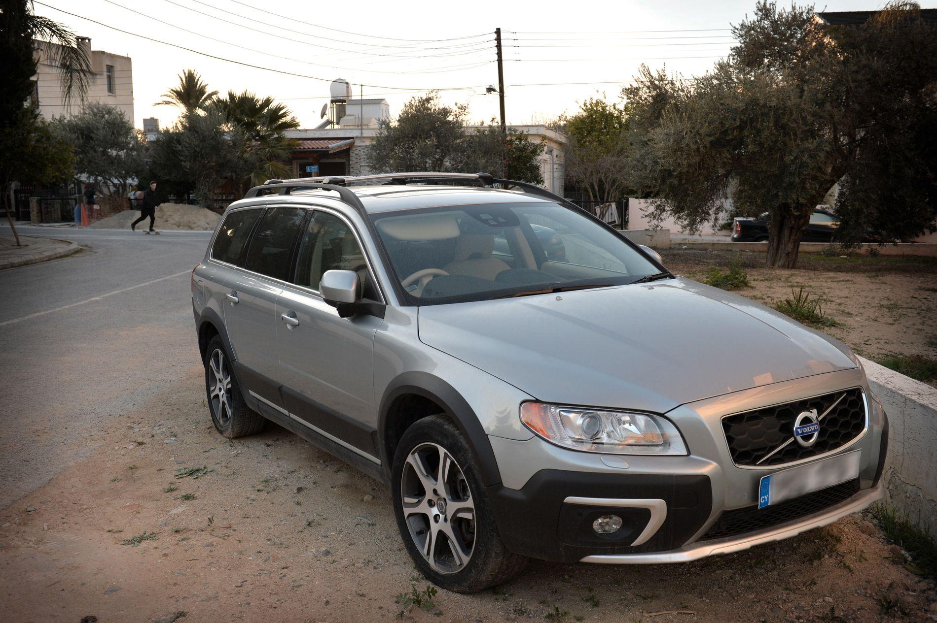 PÅSTÅTT MÅL: Da barnefaren ble etterforsket av politi i fjor vinter, hevdet han at målet med turen til Kypros den gangen var å hente hjem bilen hans, denne Volvoen.