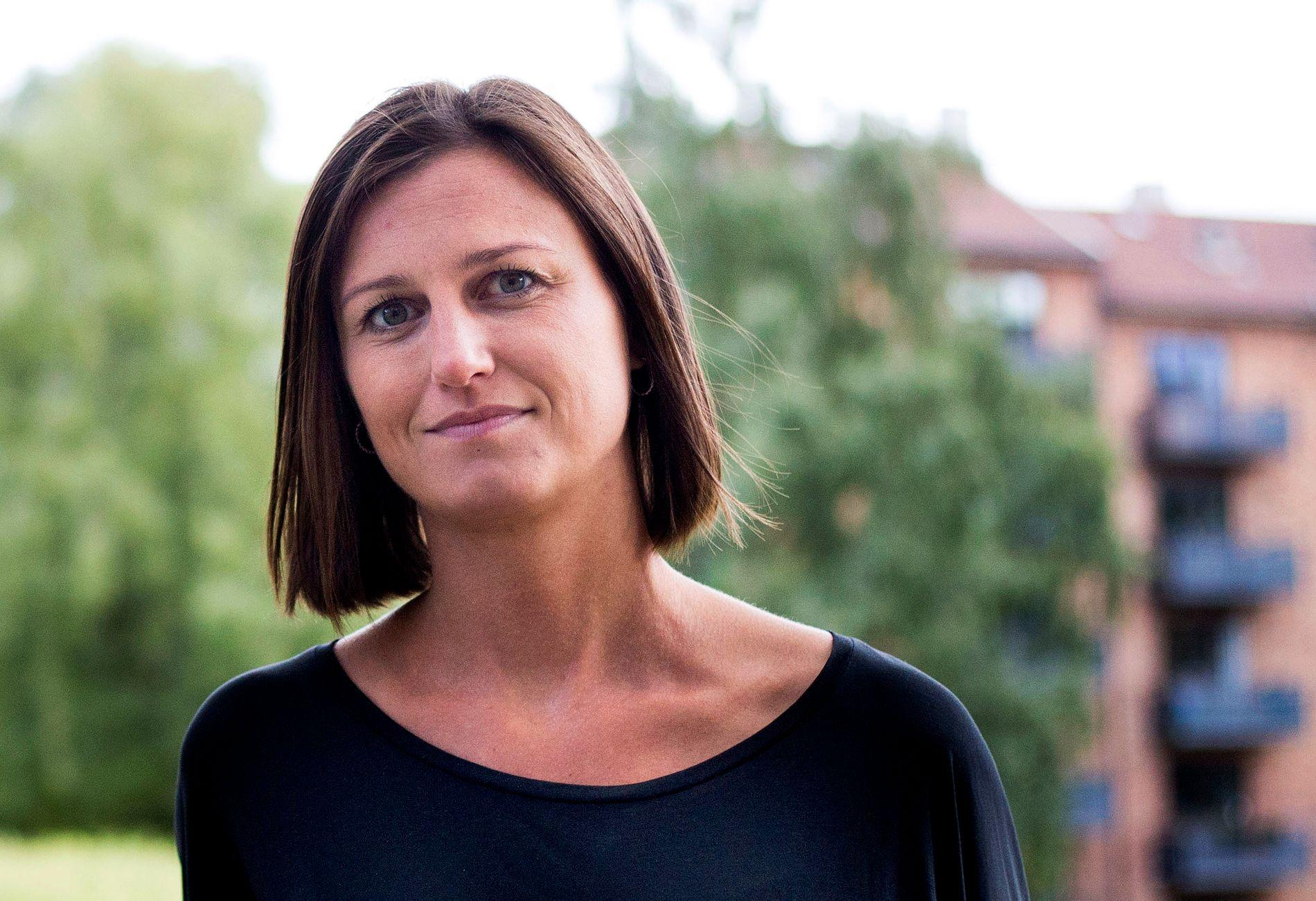 BOKHANDLERNES VALG: Norske bokhandlere har stemt fram Helga Flatlands «En moderne familie» til Årets roman.