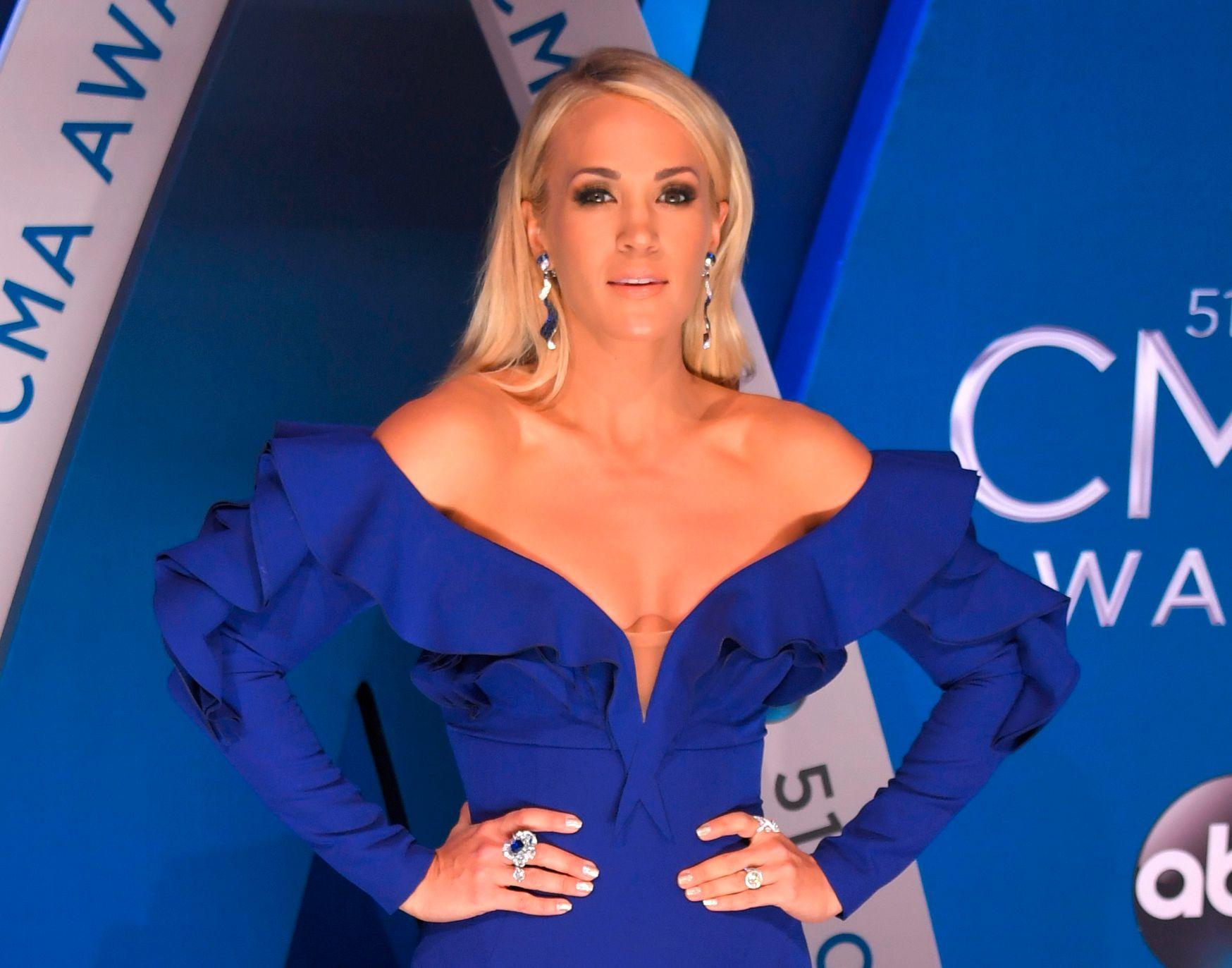 STJERNEARTIST: Musiker Carrie Underwood, her på tilstelningen hun ledet i Nashville før jul.