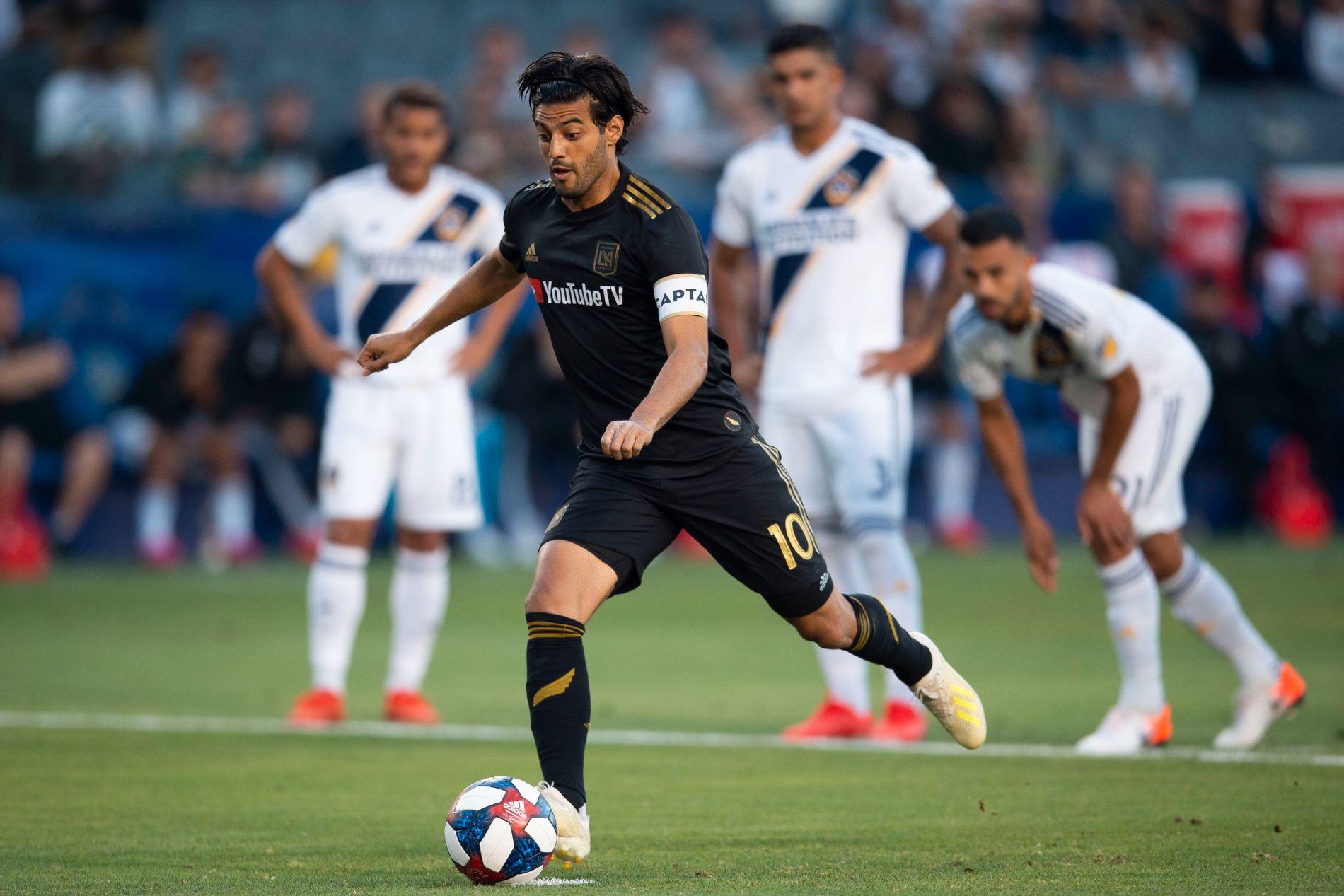 TOPPSCORER: Carlos Vela setter inn 1–0 på straffe for Los Angeles FC, hans 20. for sesongen. Senere satte han også inn sitt 21., men det holdt likevel ikke mot Zlatans LA Galaxy.