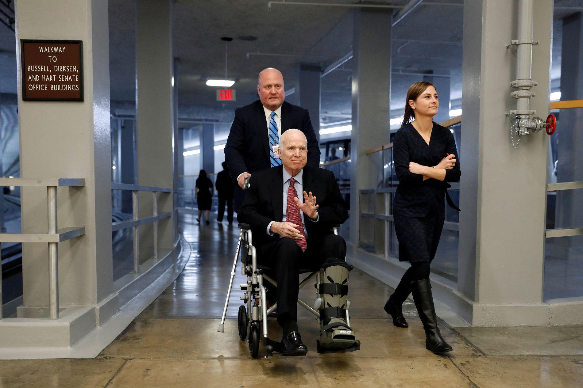 KREFTSYK: Senator John McCain var diagnostisert meden svært aggressiv form for hjernekreft.