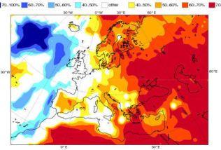 SOMMEREN I EUROPA:Det kjølige havet ser også ut til å virke avkjølende på sommertemperaturene i Europa. Her er Det europeiske værsenterets sesongvarsel for juni, juli og august.