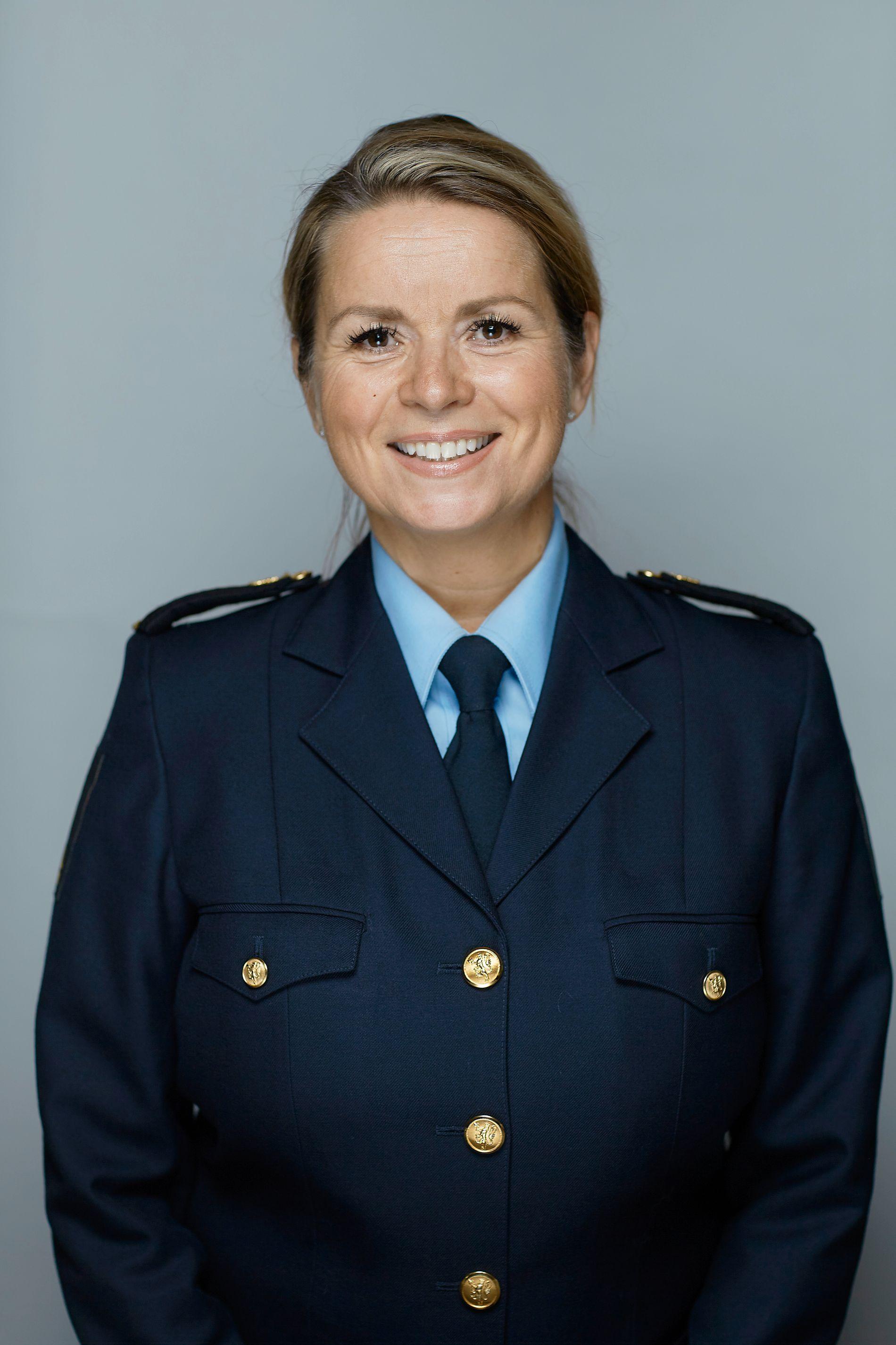 KOSTBART: Stina Smedsrud, regiondirektør i Tollregion Oslo og Akershus, sier bemanningen er forsvarlig, men at det er kostbart å ha folk på jobb på helligdager.
