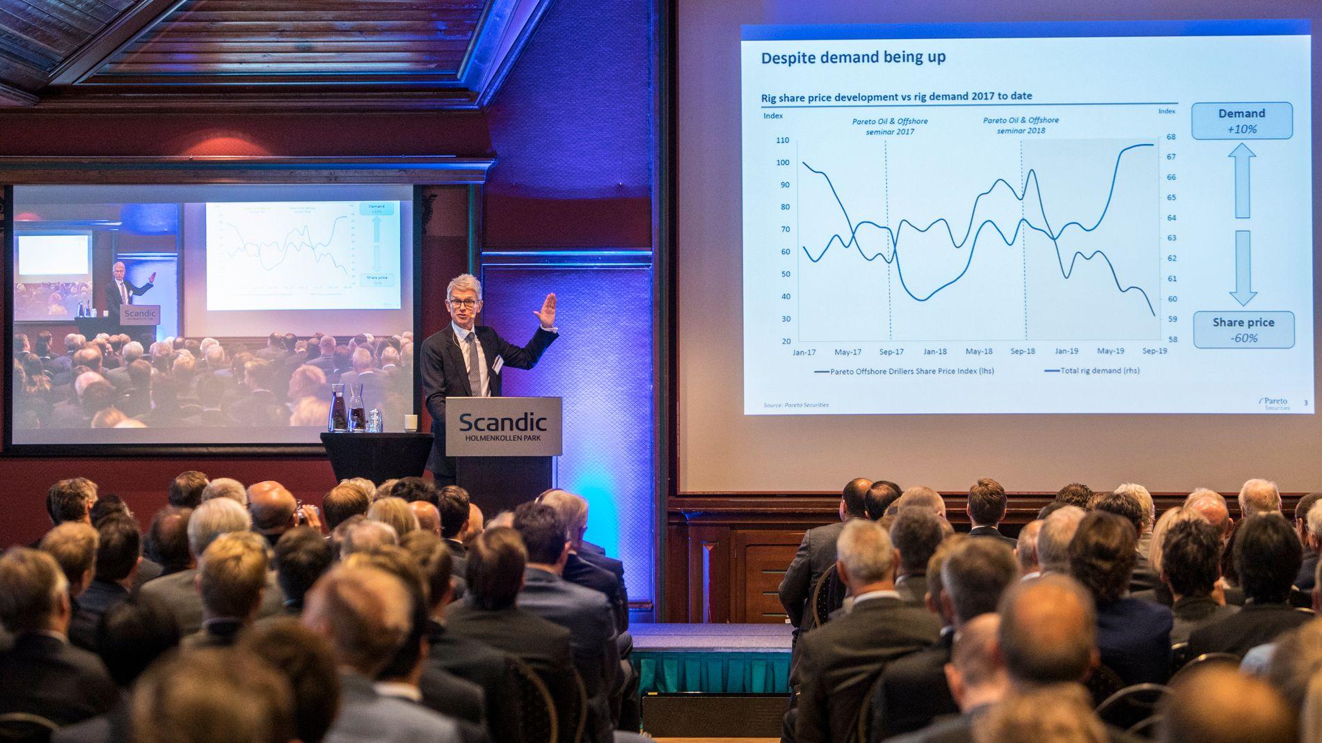 TØFT ÅR: Det er krevende tider for oljebransjen som møtes på Paretokonferansen i Oslo onsdag. Pareto-sjef Christian Jomaas ser positive underliggende tegn i markedet, men erkjenner at det har vært et tungt år siden forrige konferanse.