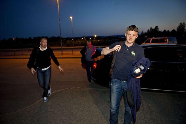 PÅ GARDERMOEN: Ole Gunnar Solskjær og Jim Solbakken etter oppvaskmøtet med Røkke i 2012.