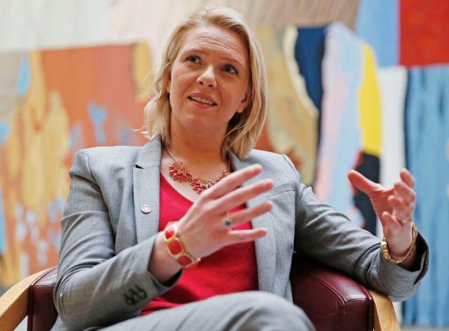 VIL STRAMME GREPET: Innvandringsminister Sylvi Listhaug (Frp) vil fortsatt gjennomføre omfattende innstramminger i utlendingsloven, men mister grepet om samarbeidspartiene Venstre og KrF.