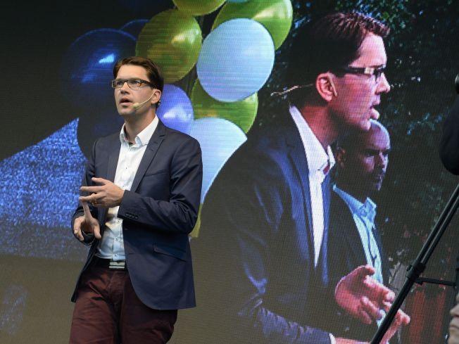 SISTE INNSPURT: Partileder Jimmie Åkesson holdt lørdag en av siste siste valgtaler på Nytorget i Stockholm sentrum.