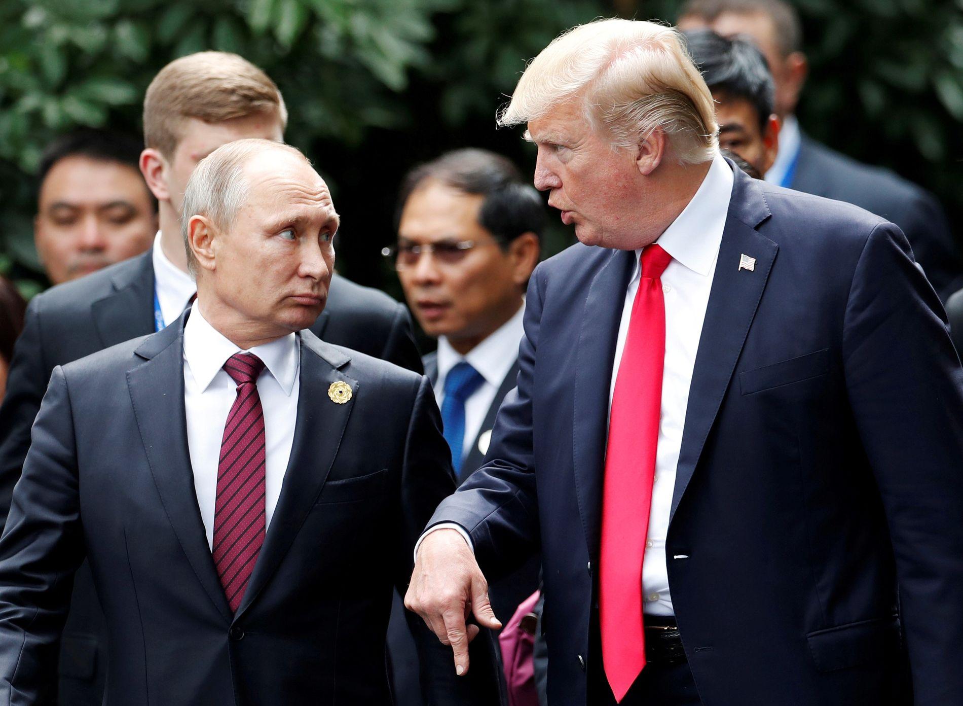MØTES MANDAG: Donald Trump og Vladimir Putin møtes mandag i Finnland.